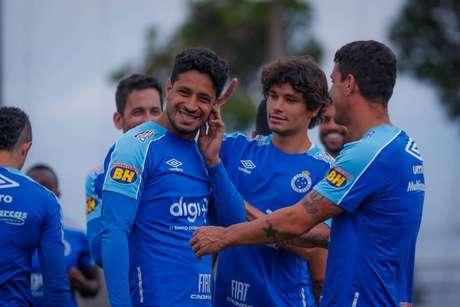 Zagueiro estava há dez jogos fora por conta de uma luxação na clavícula (Foto: Vinnícius Silva/Cruzeiro)