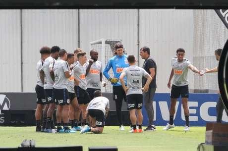 Carille promoveu mudanças na equipe titular do Corinthians (Foto: Daniel Augusto Jr./Ag. Corinthians)