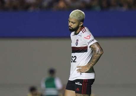 Gabriel, do Flamengo, na partida contra o Goiás, válida pela 24ª rodada do Campeonato Brasileiro 2019, no Estádio Serra Dourada