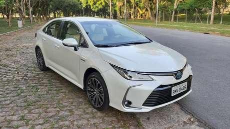 O Toyota Corolla híbrido custa R$ 129.990.