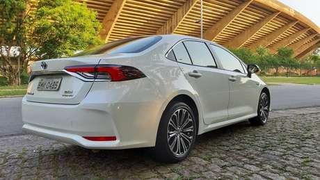 Toyota Corolla Hybrid: um caso de carro que usa tecnologia mais ecológica.