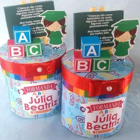 2. Lembrancinhas de formatura infantil ABC – Por: Elo7