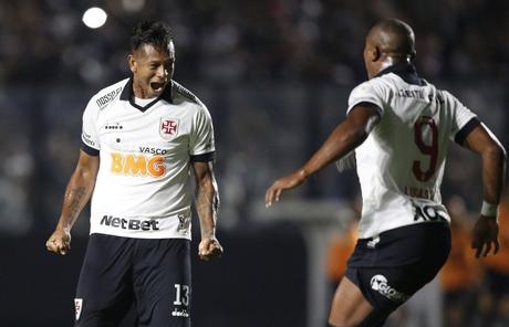 Guarín fez o gol do Vasco na derrota para o Grêmio (Foto: Carlos Gregório Jr/CRVG)