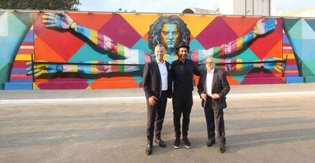 Mural de Kobra inspirado no 'Homem Vitruviano'