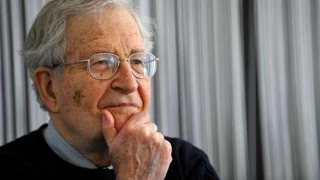 Teoria de Everett difere da de Noam Chomsky