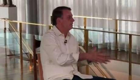 O presidente Jair Bolsonaro em entrevista neste domingo no Palácio daAlvorada