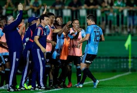 Veja imagens de Chapecoense 0 x 3 São Paulo