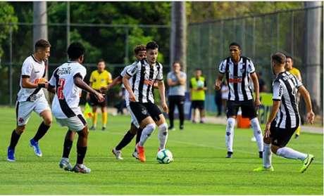 O Vasco avançou às semifinais do Brasileiro sub-20 eliminando o Galo-(Pedro Souza/Atlético-MG)