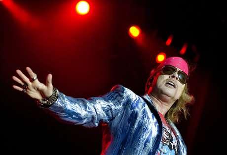 Axl Rose, do Guns N' Roses, durante apresentação no Sweden Rock Festival 2010