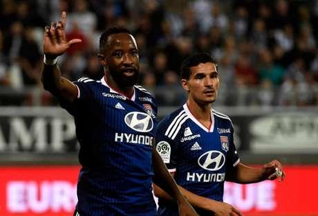 Dembélé é um dos destaques do Lyon (Foto: Francois Lo Presti / AFP)