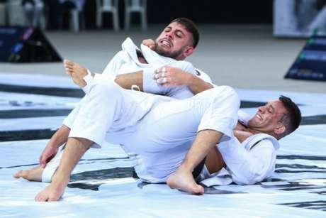 Patrick Gaudio finalizou Rafael Message e foi o campeão da divisão 120kg (Foto: Ane Nunes/AJP)