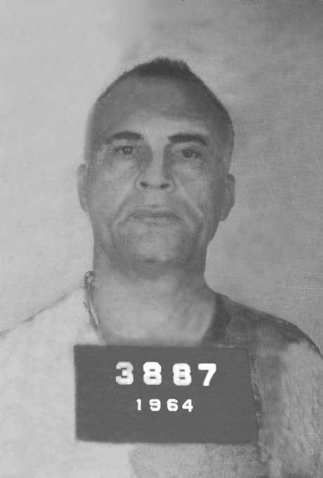 Reprodução do fichamento policial do militante político e guerrilheiro baiano Carlos Marighella, morto no ano de 1969 em uma emboscada