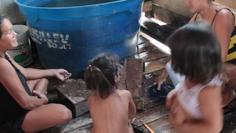 Moradores de comunidades ribeirinhas da região do Médio Solimões, na Amazônia Central, onde atua o Instituto Mamirauá
