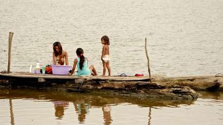 Moradores das comunidades ribeirinhas da região do Médio Solimões, na Amazônia Central, onde atua o Instituto Mamirauá