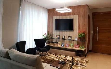36. Poltronas para sala de tv em tom preto. Fonte: Pinterest