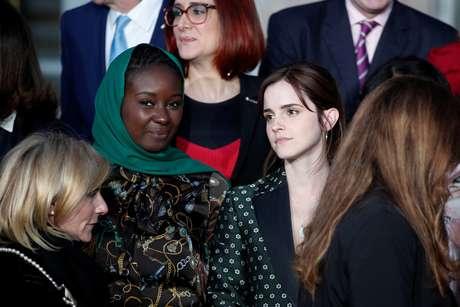 Atriz Emma Watson (à direita) participa de encontro sobre igualdade de gênero no Palácio do Eliseu em Paris 19/02/2019 Yoan Valat/Pool via REUTERS