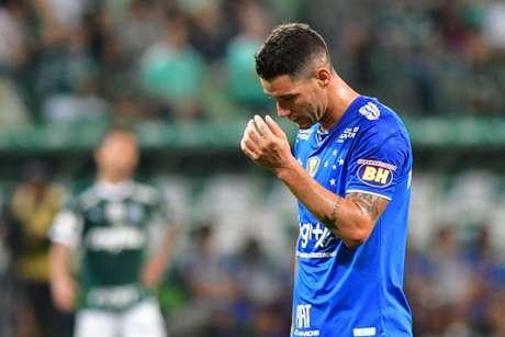 Thiago não participou dos treinos desta semana e nem embarcou com o grupo para Curitiba, nesta terça-feira-(Foto: Eduardo Carmim/Photo Premium)