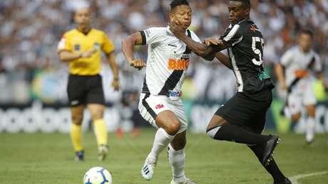 Guarín ainda luta para entrar em forma e ajudar o Vasco (Foto: Rafael Ribeiro/Vasco)