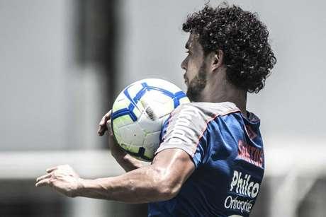 Victor Ferraz voltou a treinar no Santos nesta terça-feira, no CT Rei Pelé (Foto: Ivan Storti/Santos)