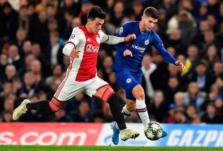 Ajax e Chelsea fizeram um grande jogo nesta terça-feira pela Champions League (Foto: GLYN KIRK/AFP)