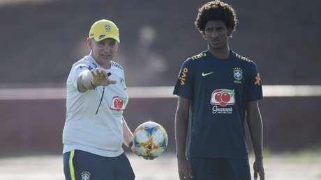 Contra o Chile, Guilherme Della Déa repetirá time que venceu a Angola na última sexta (Foto: Divulgação/CBF)