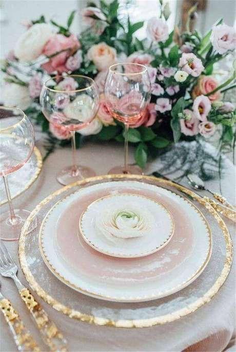 20. Detalhes para ceia de ano novo rosa e dourado – Por: SunCoco