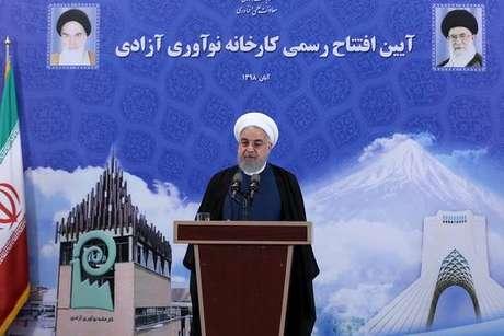 Presidente do Irã anuncia reativação de central nuclear
