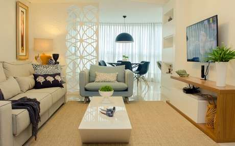 56. Poltronas para sala de tv complementam a decoração do ambiente. Fonte: Habitissimo