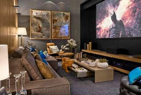 64. Poltronas para sala de tv com descanso para os pés trazem conforto aos ocupantes do ambiente. Fonte: Lider Interiores
