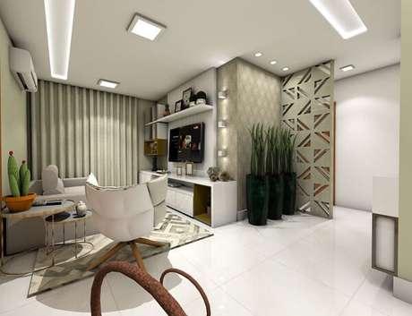 63. Poltronas para sala de tv com design moderno. Projeto por Karoline Arpini