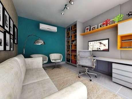 34. Utilize poltronas para sala de tv giratória, pois elas trazem funcionalidade ao espaço. Fonte: Pinterest