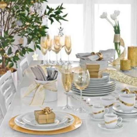 55. Mesa decorada para ceia de ano novo – Por: Pinterest