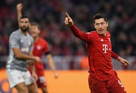 Polonês chegou a seis gols em quatro jogos (Foto: AFP)