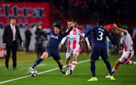 Son marcou dois gols na vitória do Tottenham nesta quarta-feira (Foto: ANDREJ ISAKOVIC/AFP)