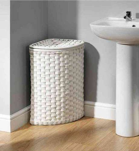 7. O cesto organizador a ser usado no banheiro precisa der muito resistente à umidade. Foto: Mark and Spencer