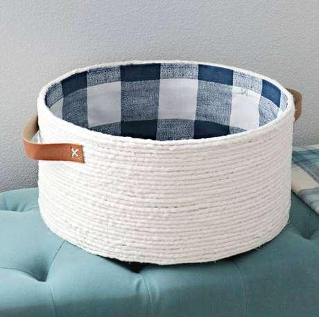 42. Modelos pequenos de cesto organizador são perfeitos para guardar jóias. Foto: I Heart Organizing