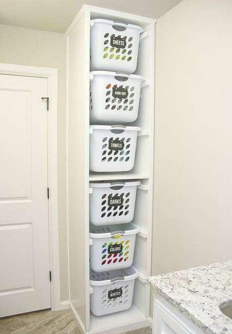 6. O cesto organizador de plástico pode ser usado de muitas formas. Foto: Make it, Love it