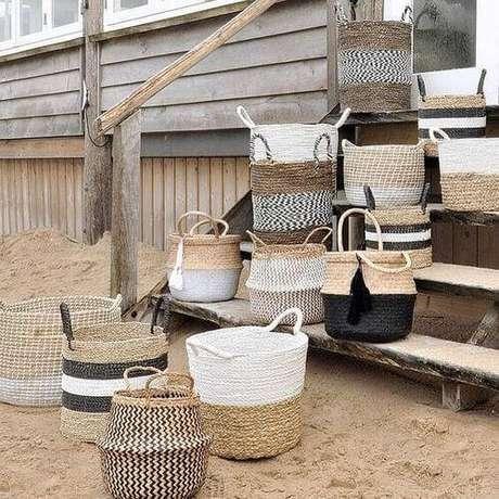 18. Alguns modelos de cesto organizador são perfeitos enfeites para a casa. Foto: Instagram