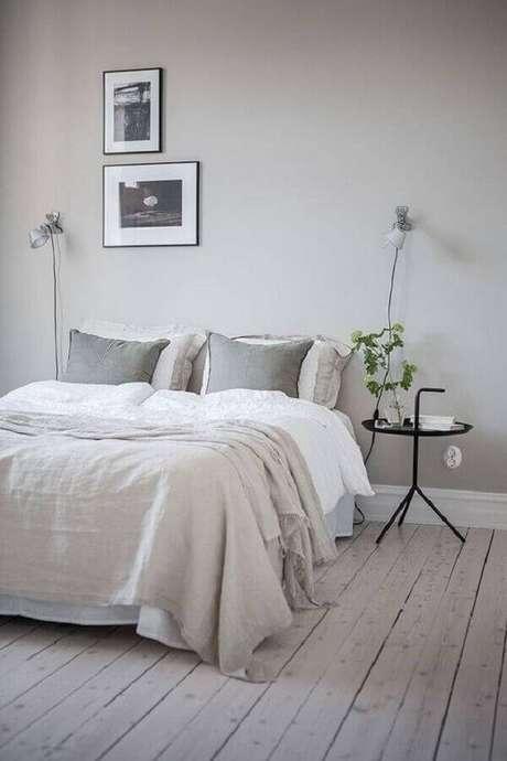 9. Já pensou em trocar o criado mudo por uma mesa de apoio para quarto? – Foto: Coco Lapine Design