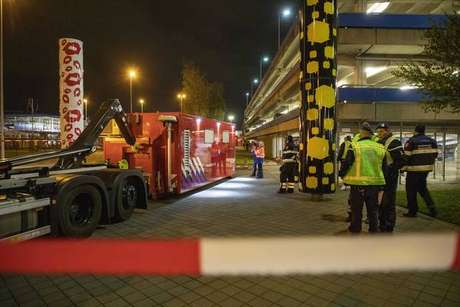 Incidente no aeroporto de Amsterdã é alarme falso