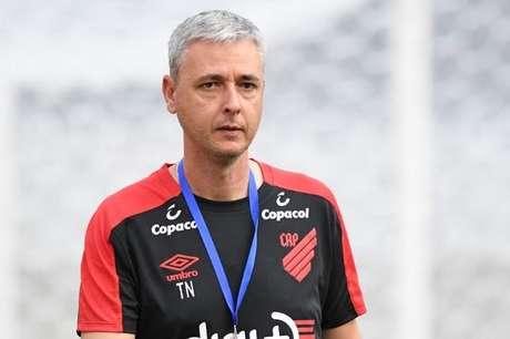 Tiago tem sofrido críticas de torcedores do Furacão (Foto: Miguel Locatelli/ Athletico Paranaense)