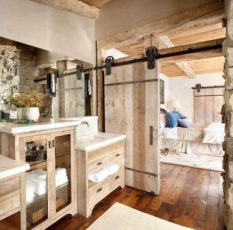 12. Armário de madeira para banheiro. Fonte: Pinterest