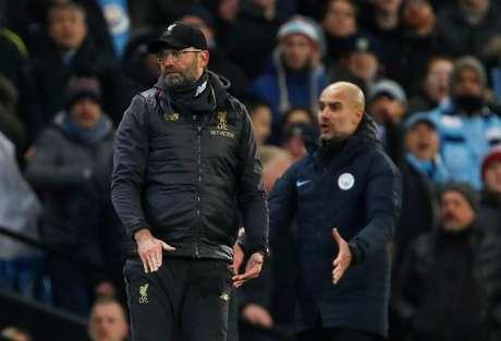 Técnico do Liverpool, Jürgen Klopp, e técnico do Manchester Ciry, Pep Guardiola 03/01/2019 Action Images via Reuters/Jason Cairnduff