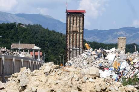 Amatrice, na Itália, ainda luta para se reconstruir