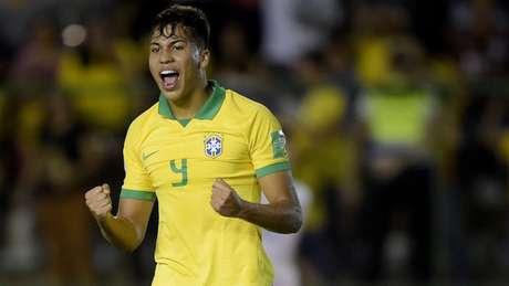 Camisa 9 do Brasil. Kaio Jorge se destacou na classificação para as quartas de final do Mundial Sub-17 (Divulgação/CBF)