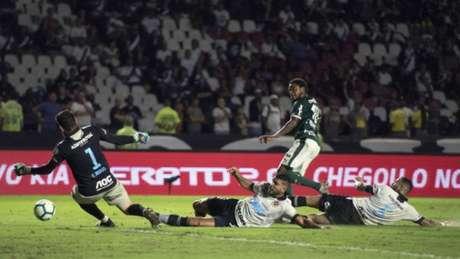 Vasco perdeu para o Palmeiras em casa (Foto: Delmiro Junior/Photo Premium/Lancepress!)