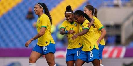 Formiga marcou um dos quatro gols do Brasil na madrugada desta quinta-feira (Foto: Daniela Porcelli/CBF)