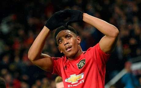 Martial marcou um dos gols do United nesta quinta-feira (Foto: OLI SCARFF/AFP)
