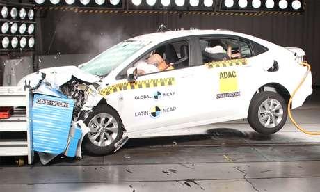 Onix Plus no Latin NCAP: nota máxima em segurança, com cinco estrelas.