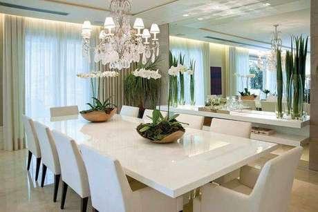 13. A mesa de mármore é sempre muito interessante. Foto: Caras